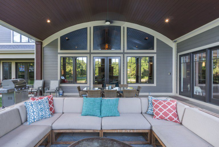 comfortable outdoor living furniture